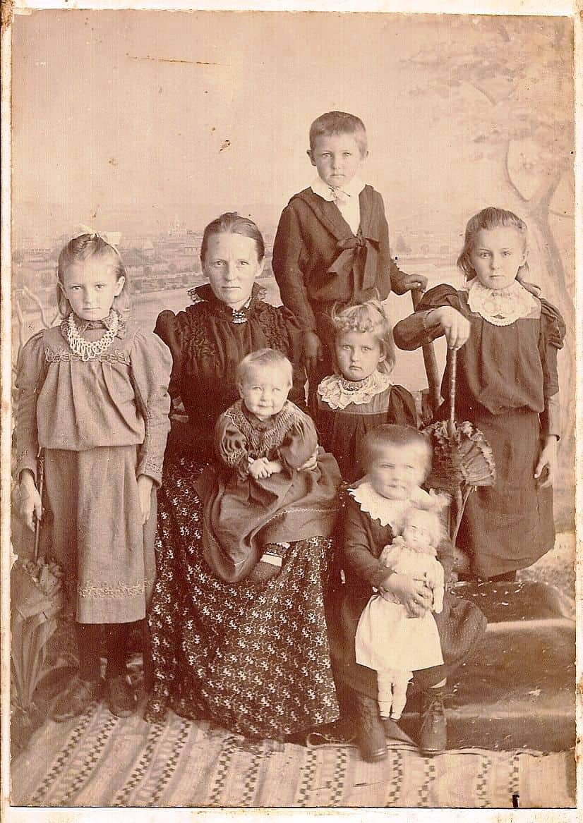 Eaton, Mary Ann and 6 of her children