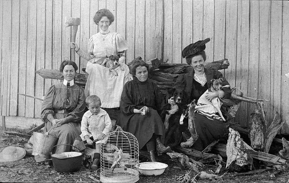 Several-Australian-Mothers-1915